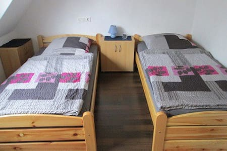Monteur- u. Privatzimmer Ergste Zi2 - Bed & Breakfast