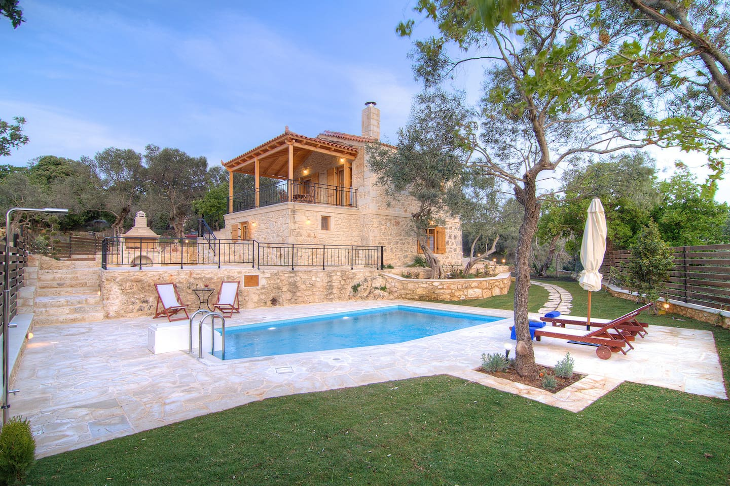 Overview of the villa, garden-park and swimming pool