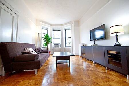 Bright and Quiet 2 BR in Park Slope