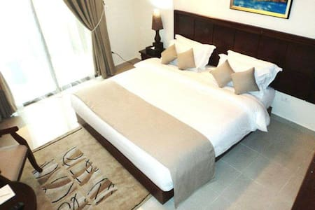 MidTown Hotel&Suites Business Suite - Leilighet