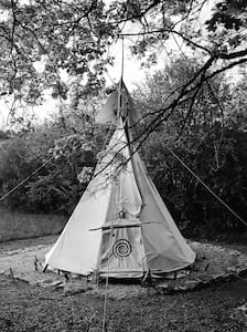 Under The Lime Tree Spa ~ Tipi - Tipi