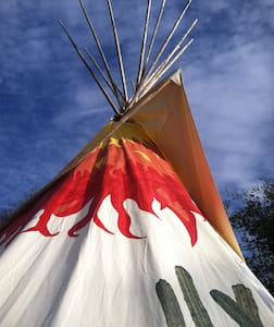 Men's Lodge Mountain Valley Retreat - Tipi