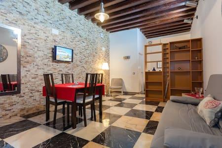 Room type: Entire home/apt Property type: Loft Accommodates: 4 Bedrooms: 0 Bathrooms: 1