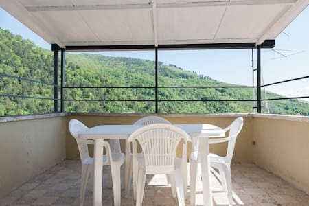 IL PAVONE, apartment with terrace