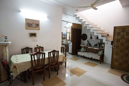 2 to 3 Bedrooms for Booking - Amritsar - Huis