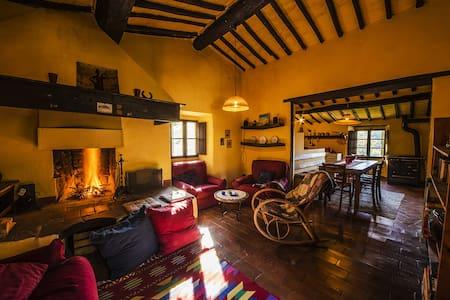 """Rifugio Avventura """"Bambi's Room"""" - Bed & Breakfast"""