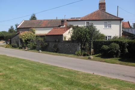 Point House bed & breakfast Walcott - Norwich - Bed & Breakfast