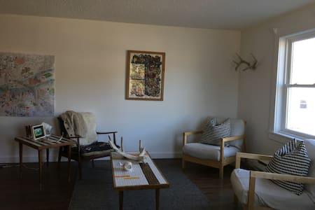 Renovated Condo in the Valley - Carrabassett Valley - Apartamento