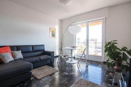 Nuovo spazioso luminoso frontemare - Ventimiglia - Appartement