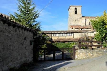 La Casa de Cucho - Cucho - House