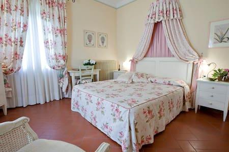 Camera matrimoniale San Gimignano - Bed & Breakfast