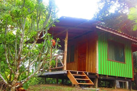 Private Rainforest Cabana (Sleeps 2 w meals incl) - Blockhütte