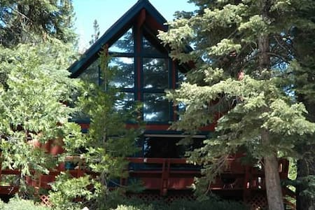 Cozy, Affordable North Tahoe Cabin Close to lake - Carnelian Bay - Cabin