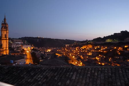 Romantic house with topview terrace - Modica - House