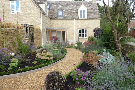 Little Maunditts Cottage, Sherston - Sherston - Hus