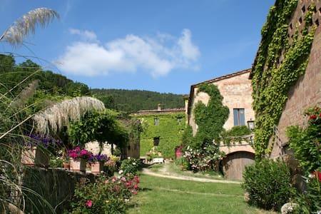 Romantica casa nella campagna Siena