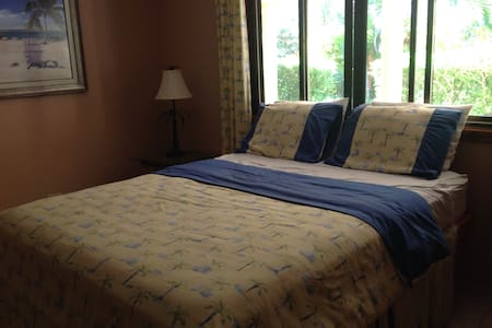 Bedroom With Double Bed - Bed & Breakfast