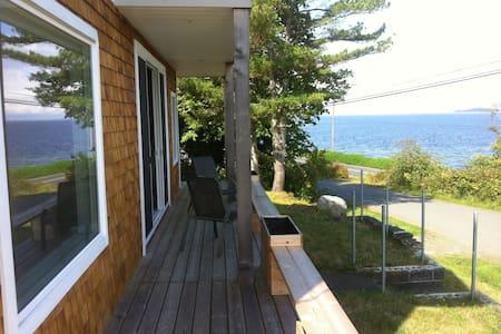 Ocean house - House