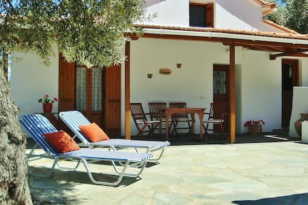 Cute cottage in olive tree grove. - Skopelos