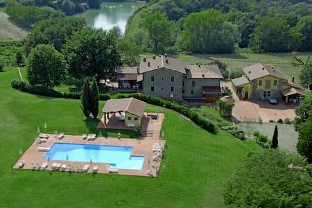 Casa Campagna, agriturismo Toscana