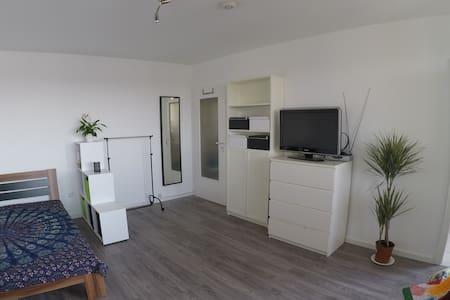 1-Zimmer-Wohnung/Messe - Apartment