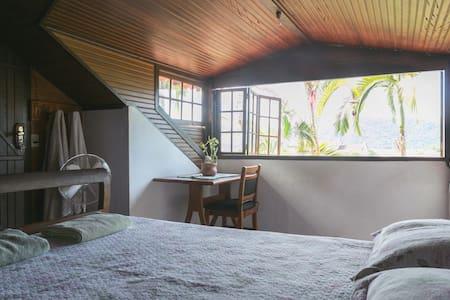 Nice Room (Breakfast & AirCond) 1 - Casa