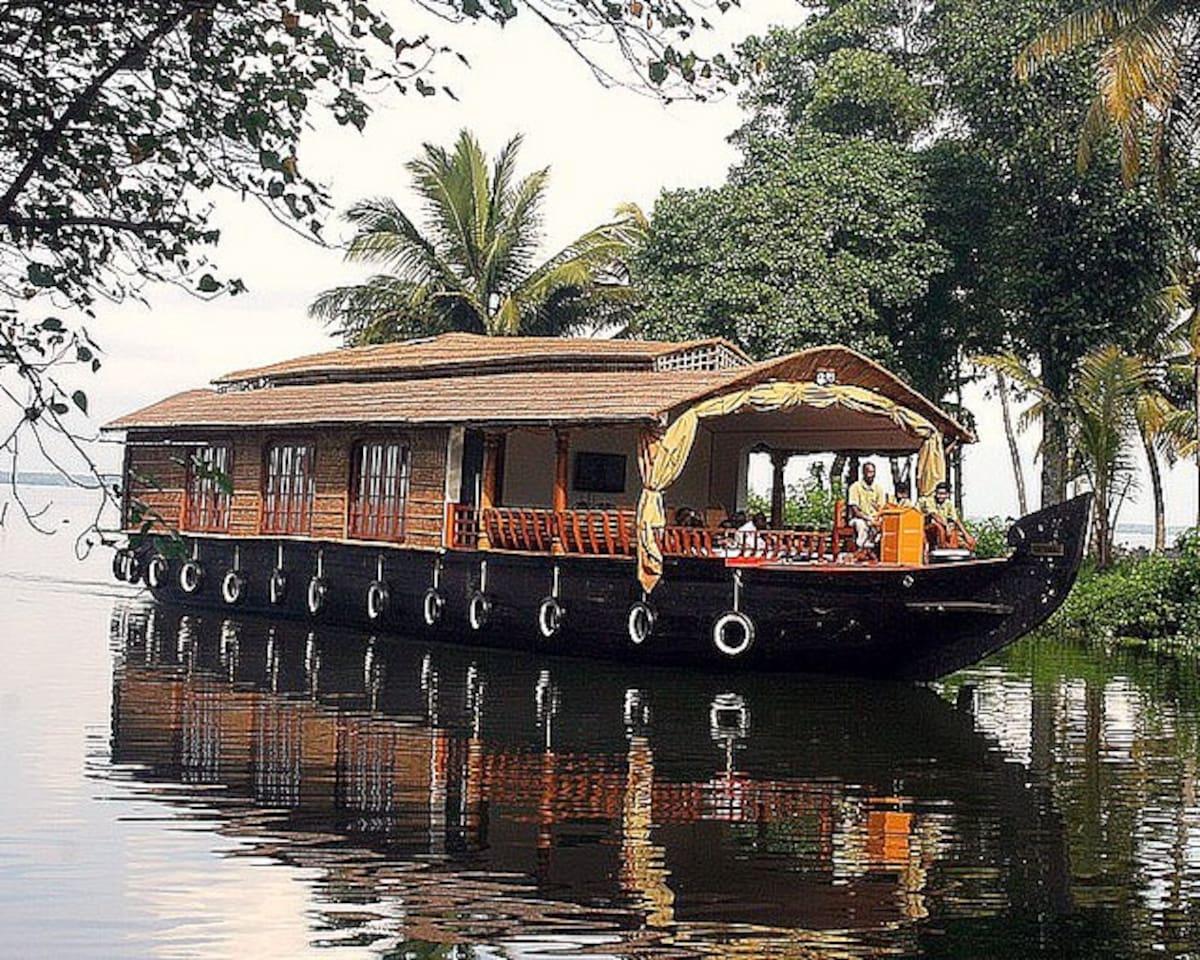 Eco Trails Houseboats in Kerala