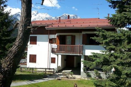 Tranquillo e panoramico appartamento a Savoulx - Savoulx