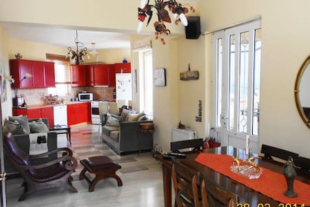 Overlooking the sea and Rethymnon - Appartement