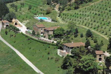 Fattoria Il Monte - Monte 2, sleeps 6 guests - Dicomano - Leilighet