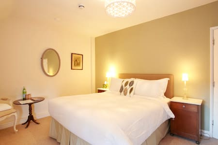 Room Name: Moto Guzzi @ Fantinos - Sowerby - Bed & Breakfast