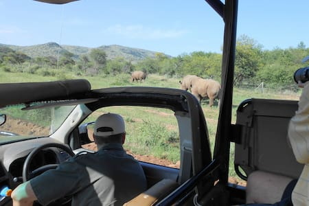 Morokolo Family Suite - Pilanesberg National Park - 牧人小屋