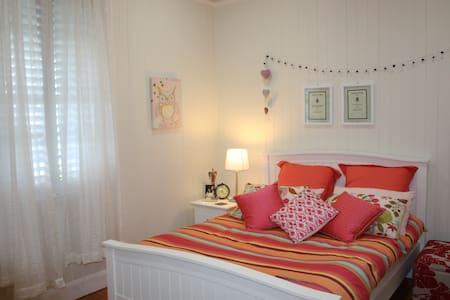 Recently Renovated Queenslander - Casa