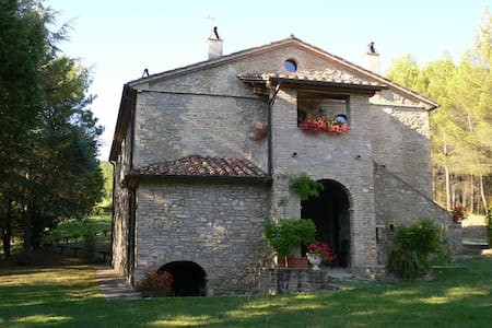 Large villa with pool in Umbria -  7 Persons - Hus