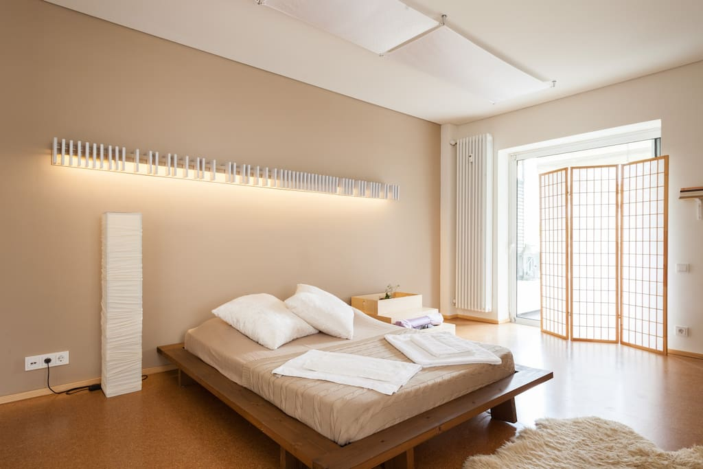 Quiet open plan apartment