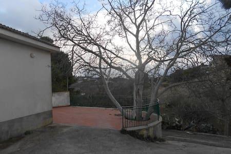 Casa Indipendente Racalmuto - Racalmuto - Villa