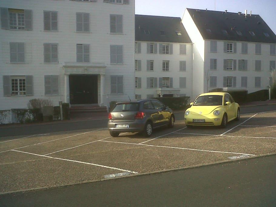 Une place de parking vous est réservée...