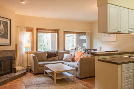 East Vail Condo on Free Vail Busline 4x hrly peak - Vail - Appartement