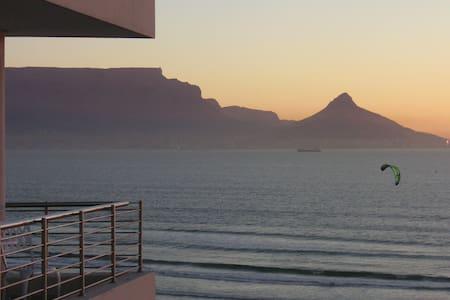 Cape Town Beachfront: Views Views!! - Appartement
