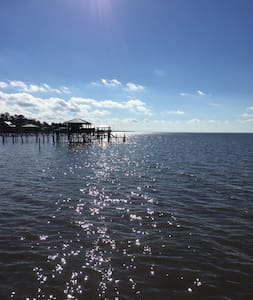Bayfront cottage with unreal views. - Fairhope - Casa
