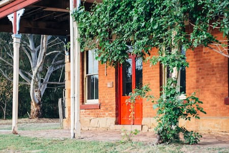 The Diggers Store B&B - Castlemaine - Bed & Breakfast