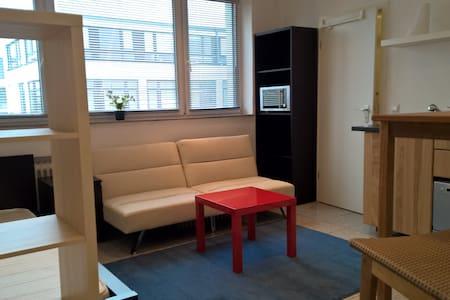 Studio Office für Reise und Büro @