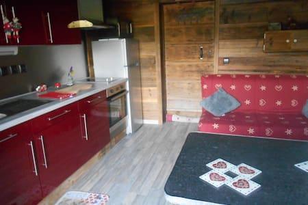 Studio dans un chalet - Bogève - Apartment