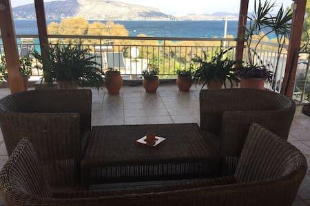 Private 2 bedroom suite @ Greek island oceanfront! - Salamina - Ö