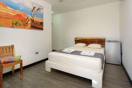 In the Shade (room 5) - Tamarindo - Bed & Breakfast