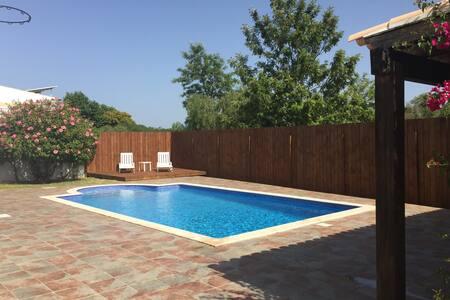 3 bedroom Villa with swimming pool. - Villa