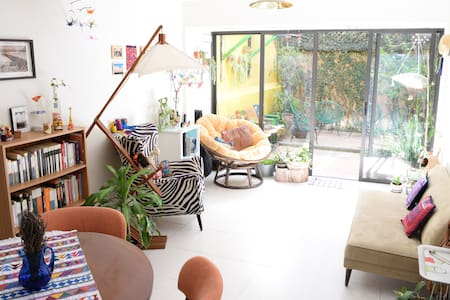 Lovely apartment with cute garden