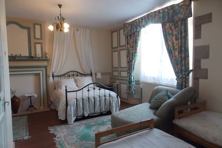 room 3 FAMILY ROOM - Bazouges-la-Pérouse