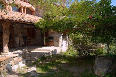 maison de caractère en pierres et éco-construction - Casa