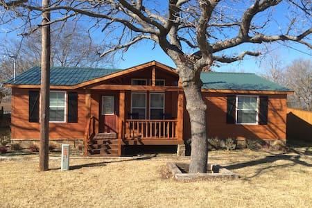 Lakefront Lodge - Casa